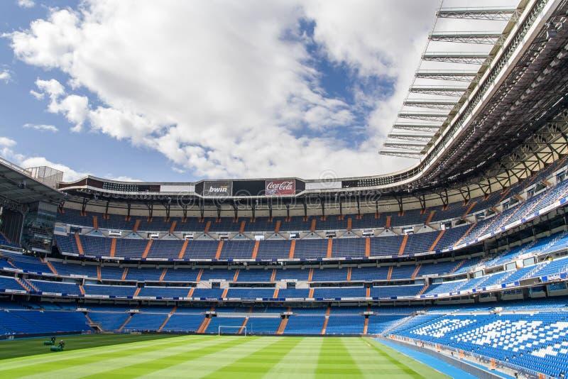 马德里,西班牙- 5月14 :皇马圣地亚哥Bernabeu体育场2009年5月14日的在马德里,西班牙 实际马德里C.F.在1902年被设立了 f 是establishe 免版税库存照片