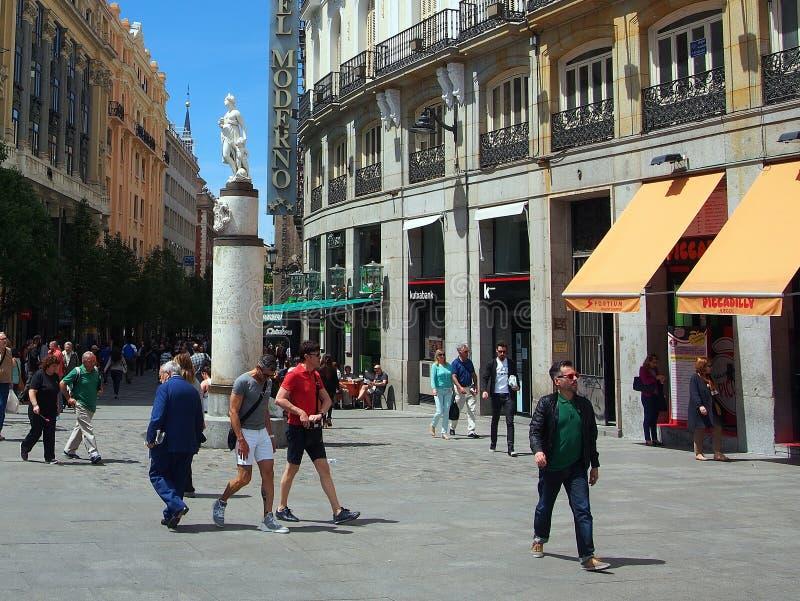 马德里, Calle阿雷纳尔 图库摄影