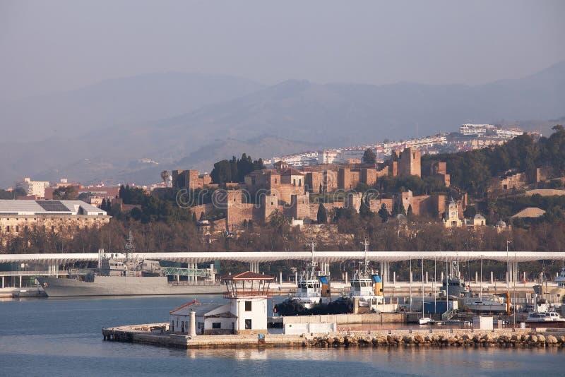 马拉加口岸和Alcazaba 库存图片