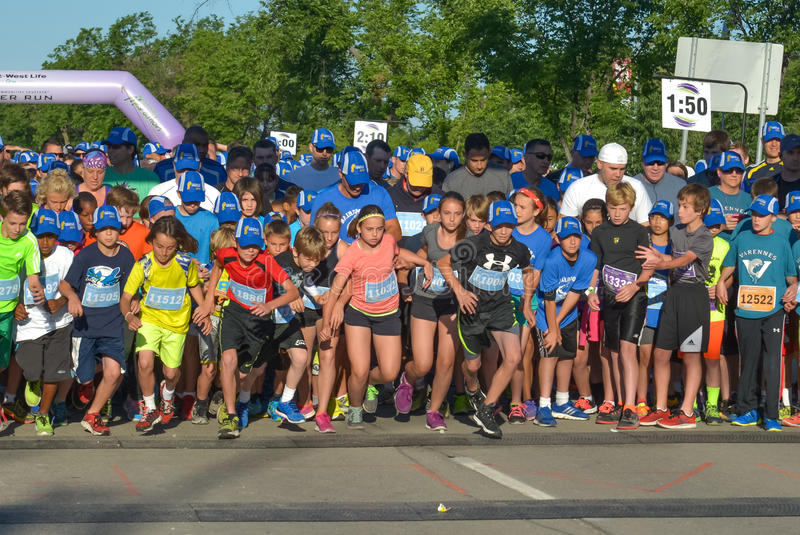 Download 马拉松 编辑类照片. 图片 包括有 城市, 生活方式, 种族, 部分, 运动员, 加拿大, 遗弃情人的, 执行 - 86070556