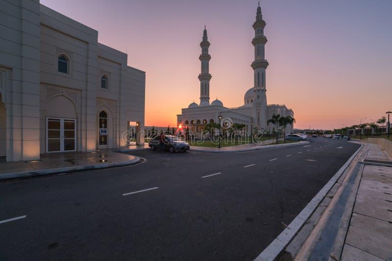 马来西亚森美兰一座清真寺繁忙的公共入口 库存照片