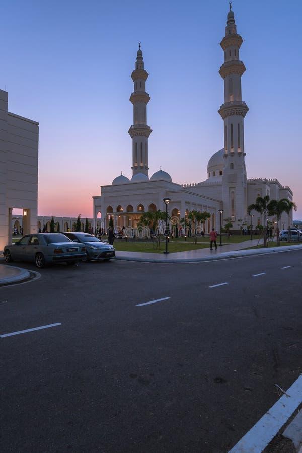 马来西亚森美兰一座清真寺繁忙的公共入口 图库摄影
