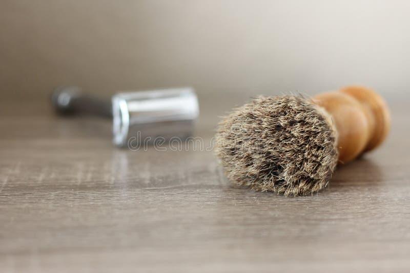 马毛刷子和剃刀 图库摄影