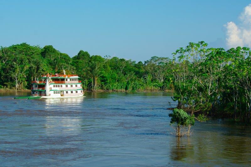 马瑙斯,增殖比-大约2011年8月-在亚马孙河的小船大约 免版税库存图片