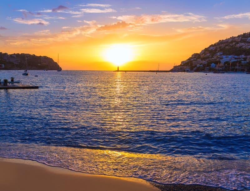 马略卡口岸de安德拉特斯日落在马略卡 库存图片