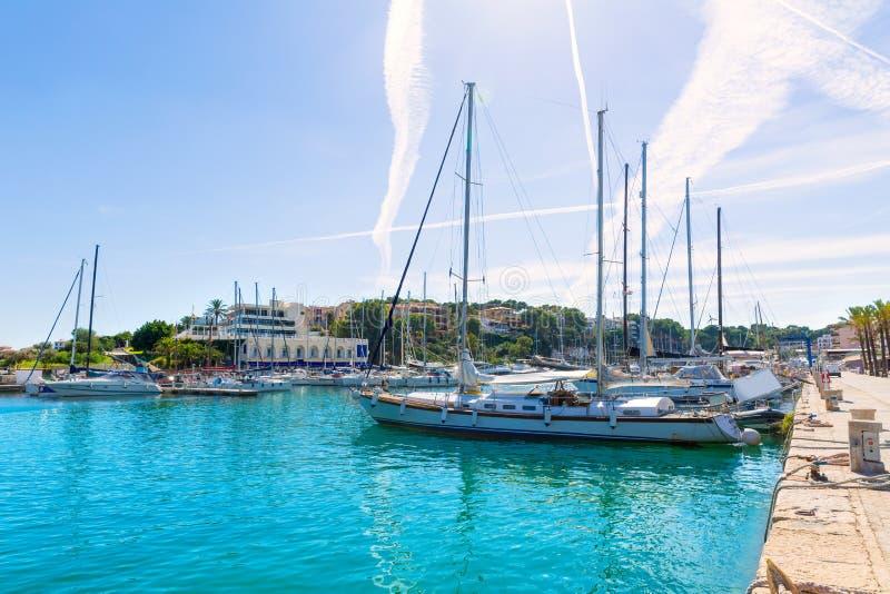 马略卡波尔图克里斯多小游艇船坞口岸马纳科尔马略卡 免版税图库摄影