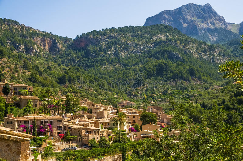 马略卡的福纳卢奇村庄 库存照片