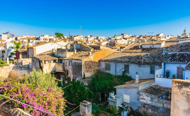 马略卡,在老镇Alcudia的屋顶的看法 免版税库存照片