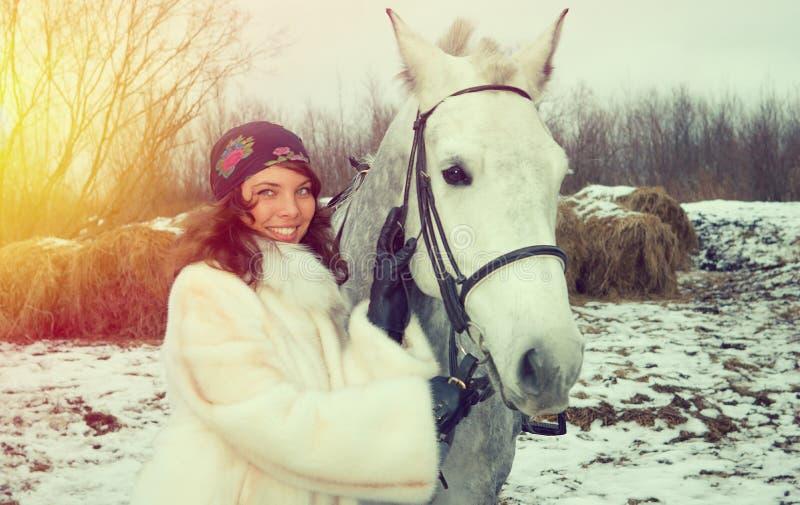 马的女孩 免版税库存图片