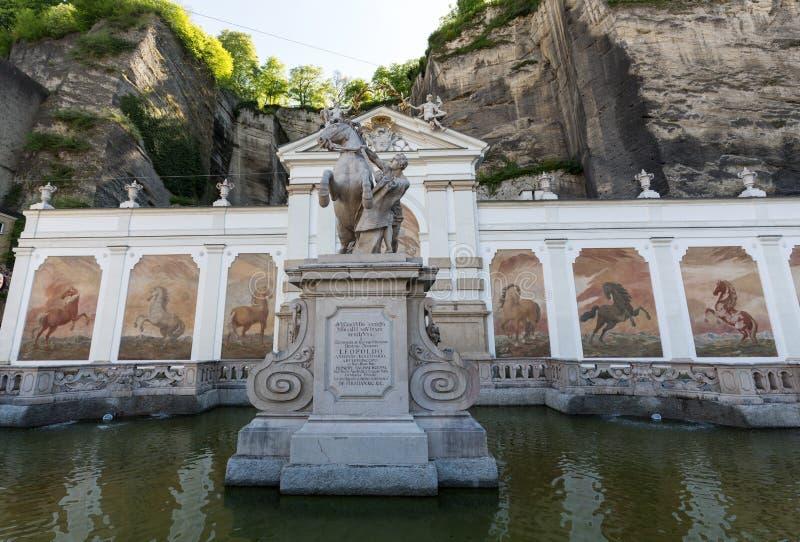马的浴在萨尔茨堡由著名巴洛克式的建筑师约翰贝恩哈德菲舍尔冯Erlach修建 萨尔茨堡 库存图片