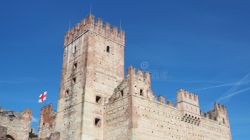 马罗斯蒂卡,威岑扎,意大利 在镇的低部的城堡 免版税图库摄影