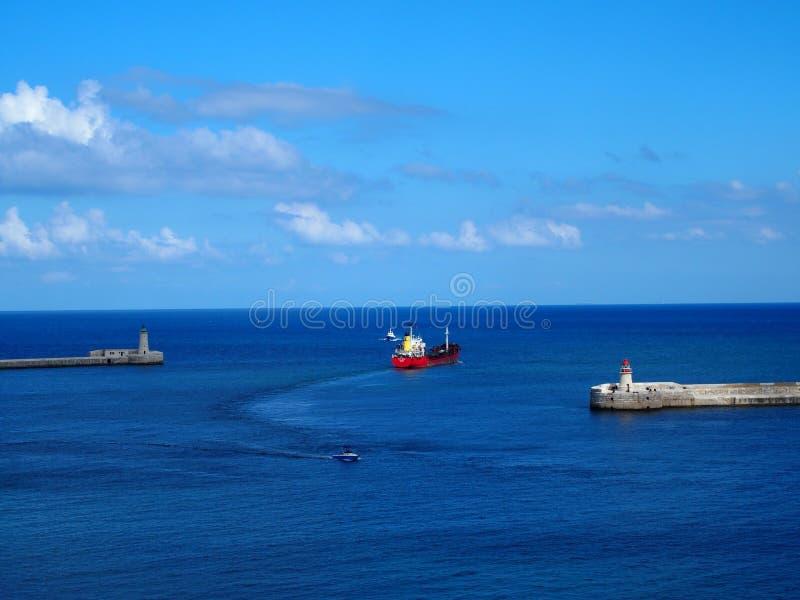 马耳他,瓦莱塔,港口,集装箱船 免版税库存照片