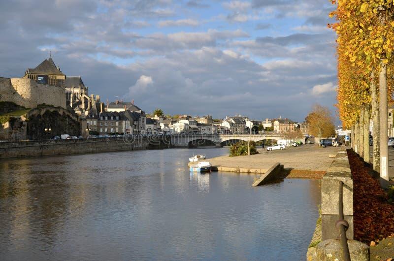 马耶讷省的河在法国 免版税库存图片
