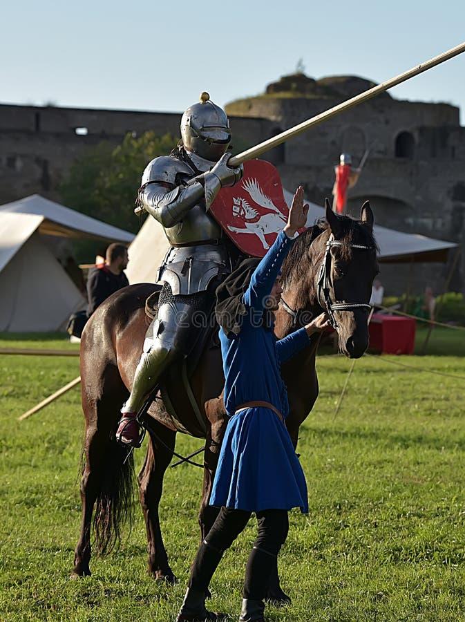 马背射击的骑士在马背上 免版税图库摄影