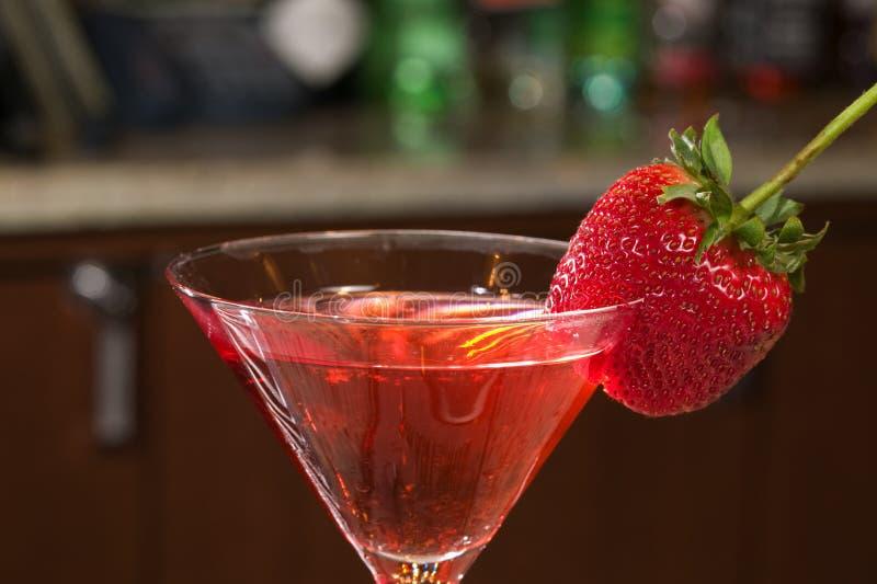 马蒂尼鸡尾酒草莓 免版税库存照片