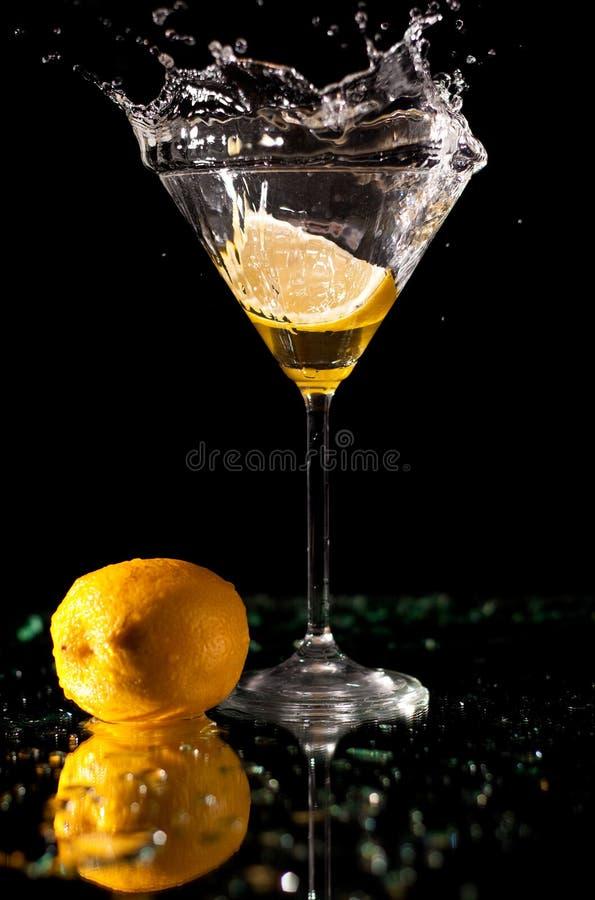 马蒂尼鸡尾酒飞溅 图库摄影