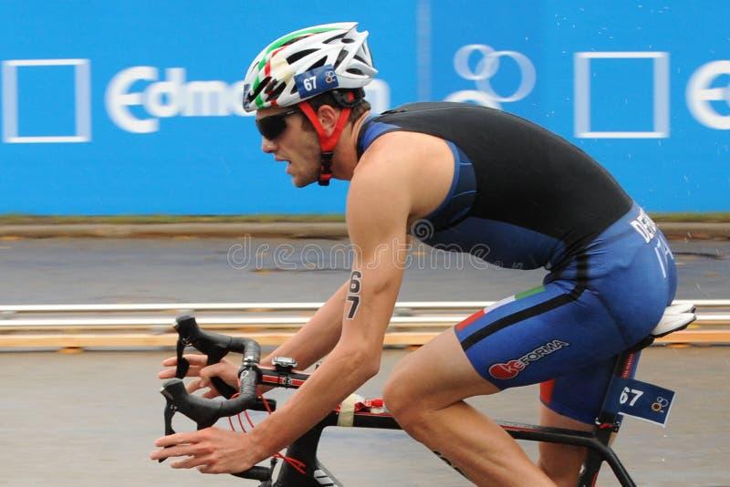 Download 马西莫De Ponti 图库摄影片. 图片 包括有 激活, 骑自行车者, 行程, 女性, 女演员, 人力 - 59108772