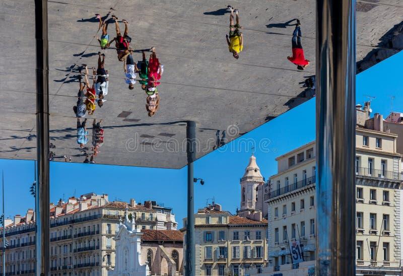 马赛,法国旧港口的亭子  免版税库存图片