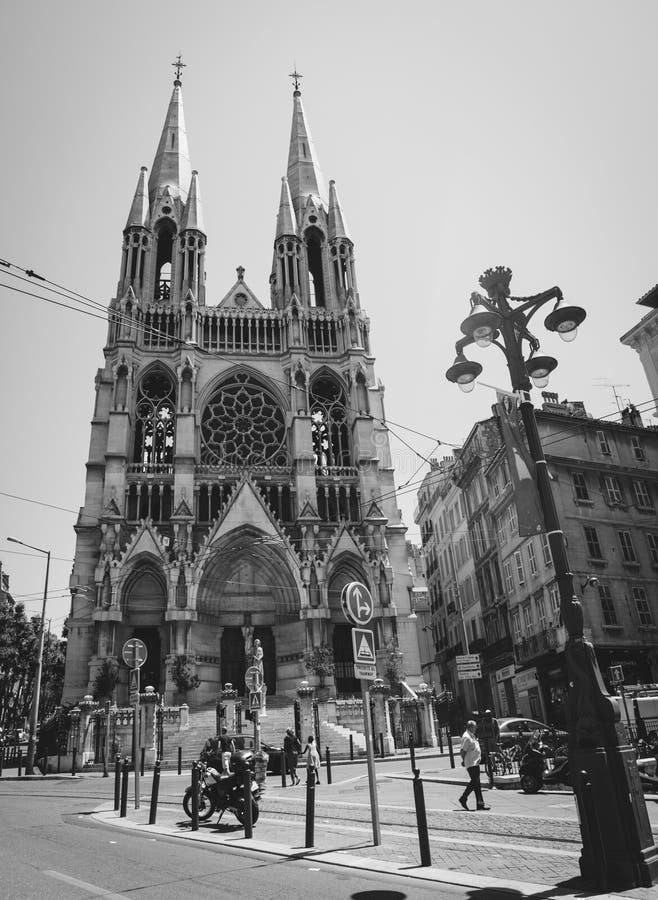 马赛,法国- 2016年6月22日:圣樊尚-德保罗教会Picturesue视图在马赛,法国 风景黑白 图库摄影
