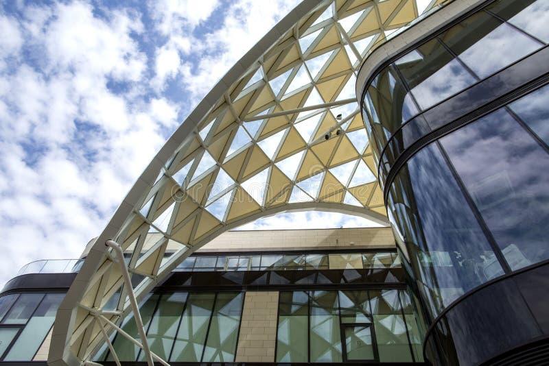 马赛,法国- 2018年5月1日:巴黎老佛爷百货公司马赛证券交易所 普拉多购物中心在马赛和巴黎老佛爷百货公司中 图库摄影