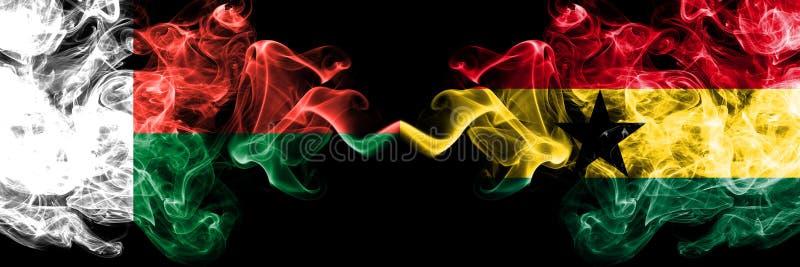 马达加斯加,Madagascan,加纳,加纳,白色,竞争厚实的五颜六色的发烟性旗子 非洲国家四分之一决赛橄榄球 库存照片