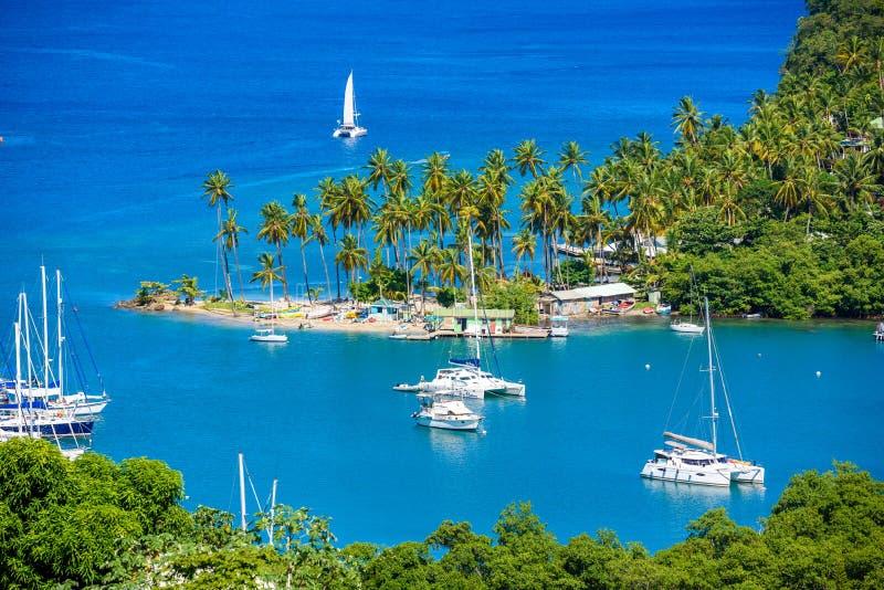 马里戈特海湾,圣卢西亚,加勒比 热带海湾和海滩在异乎寻常和天堂风景风景 找出马里戈特海湾  库存照片