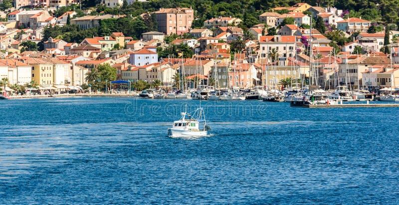 马里Losinj口岸和市全景在克罗地亚 库存图片