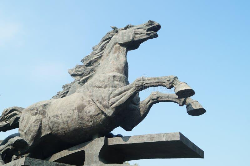 马雕塑风景 免版税库存图片