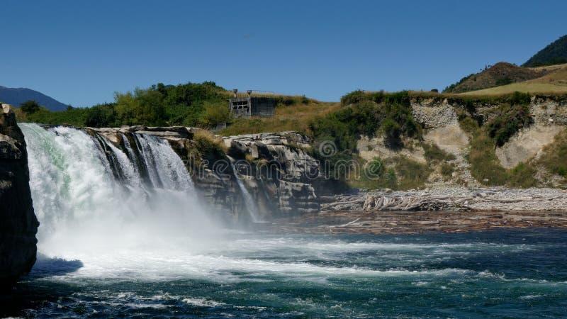 马鲁亚瀑布,在默奇森附近,新西兰 免版税库存照片