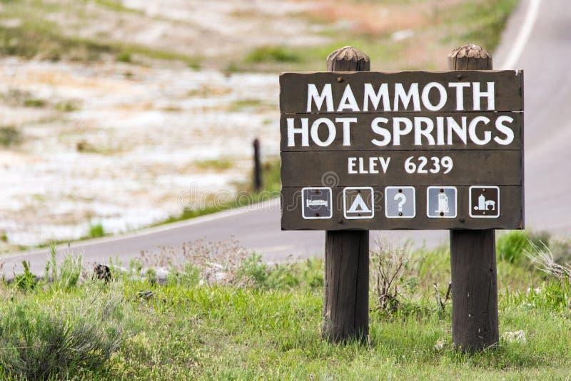 马默斯斯普林斯标志-黄石国家公园 库存照片