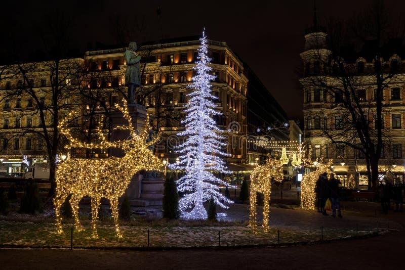 驯鹿和chrsitmas树的圣诞节装饰在赫尔辛基, 库存图片