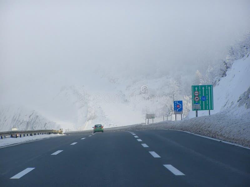 驱动冬天的情况 免版税库存图片
