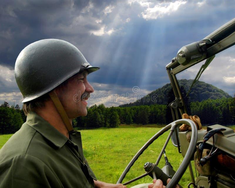 驱动吉普人军人 免版税库存照片