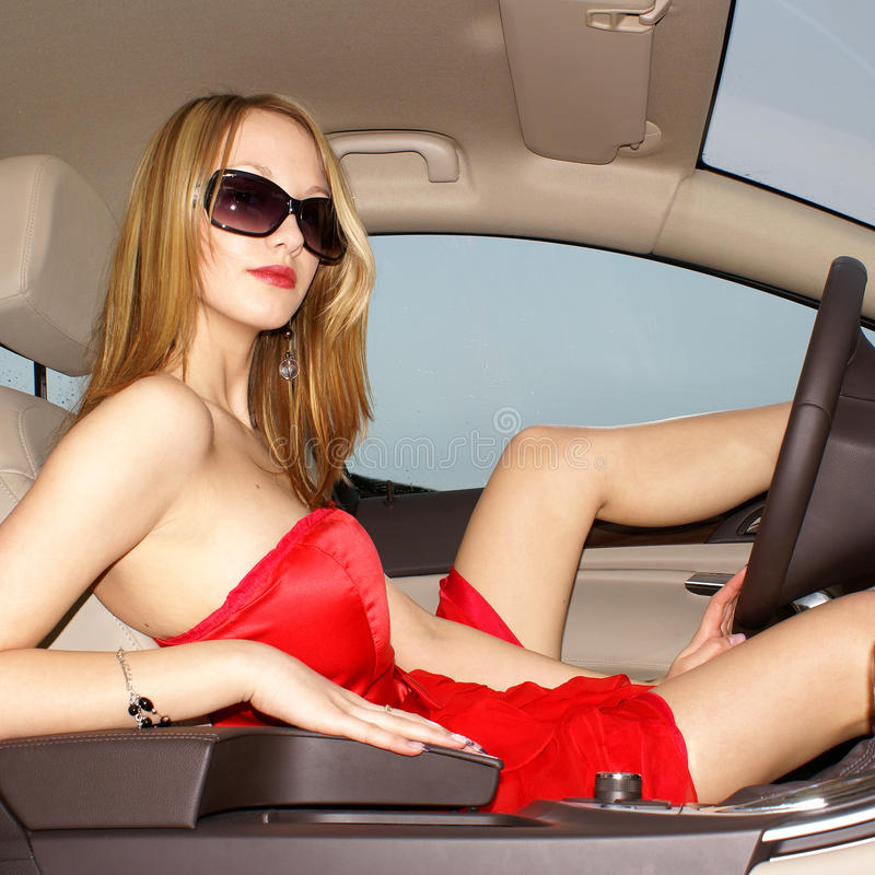 驱动器女性性感的年轻人 免版税图库摄影