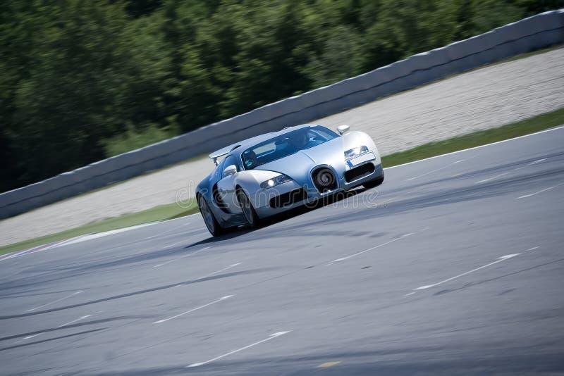 驱动通过veyron的bugatti电路 库存图片