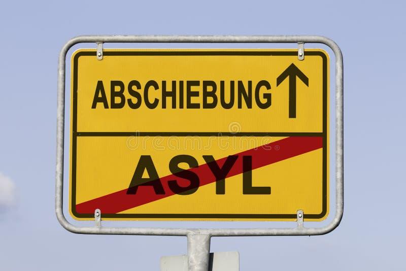 驱逐出境向前用德语 免版税库存图片