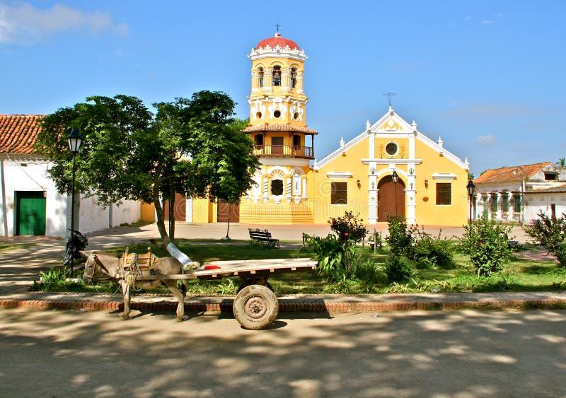 驴支架,圣芭卜拉教会, Mompos 库存图片