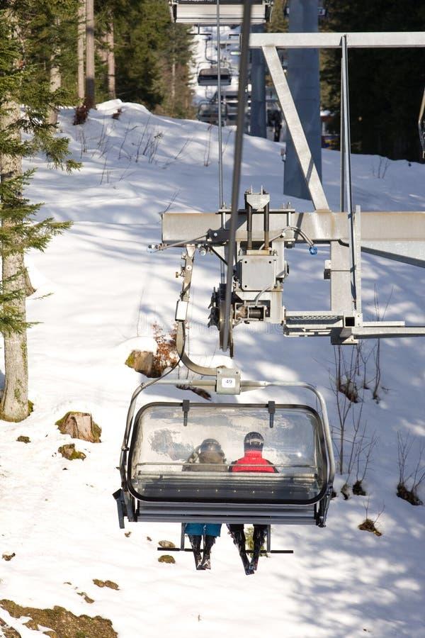 驾空滑车滑雪 图库摄影