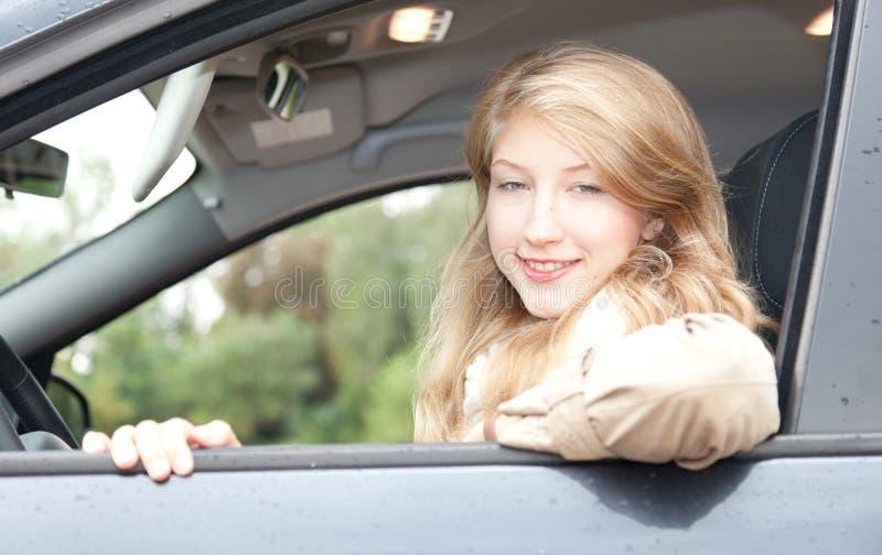 驾车女孩她新 库存图片