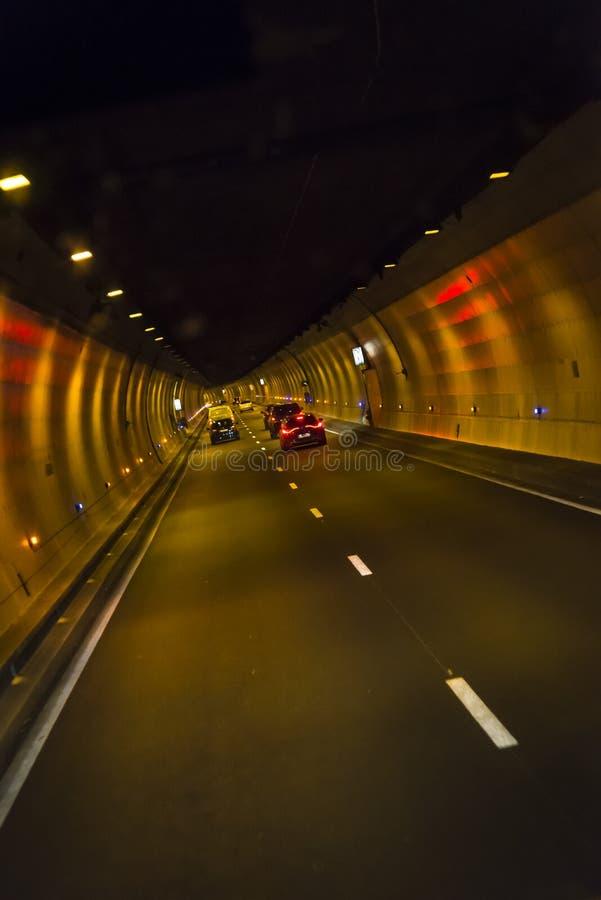 驾车通过隧道,法国 免版税库存照片