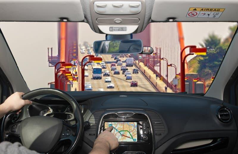 驾驶使用导航系统,金门大桥,圣弗朗西斯 库存照片
