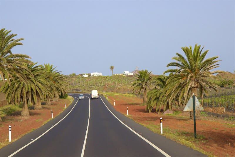 驾驶在兰萨罗特岛,加那利群岛 免版税库存照片