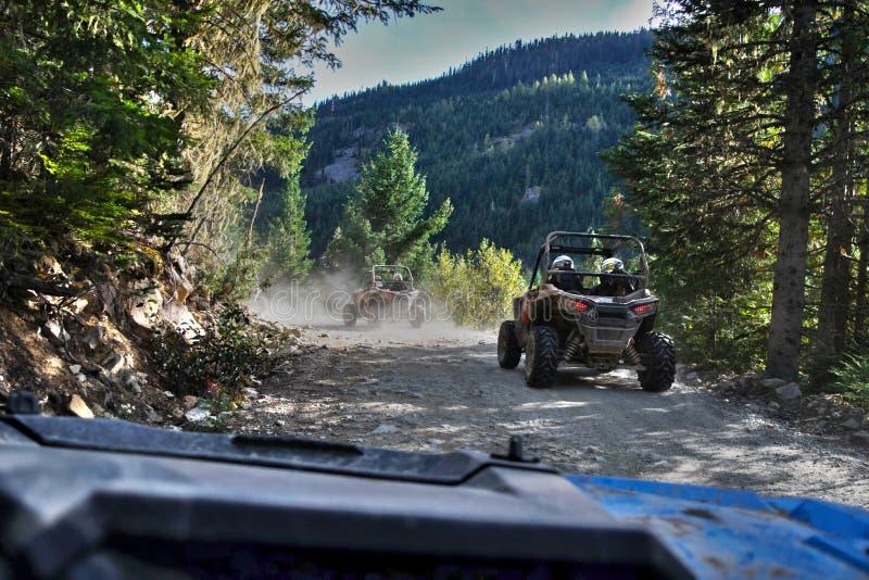 驾驶在吹口哨的ATV 图库摄影