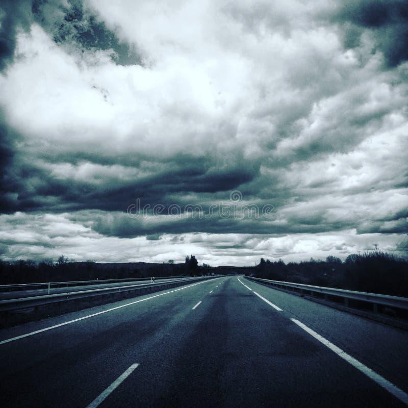 驾驶在路在卡迪士和阿尔盖斯莱斯之间 图库摄影
