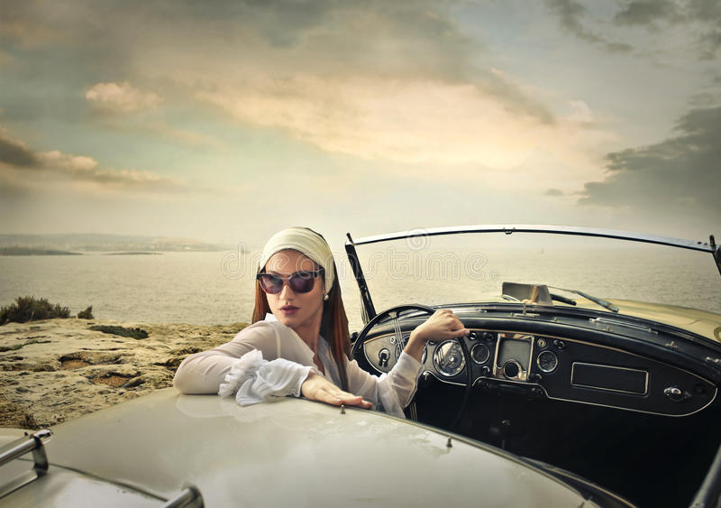 驾驶汽车的优等的妇女 库存照片