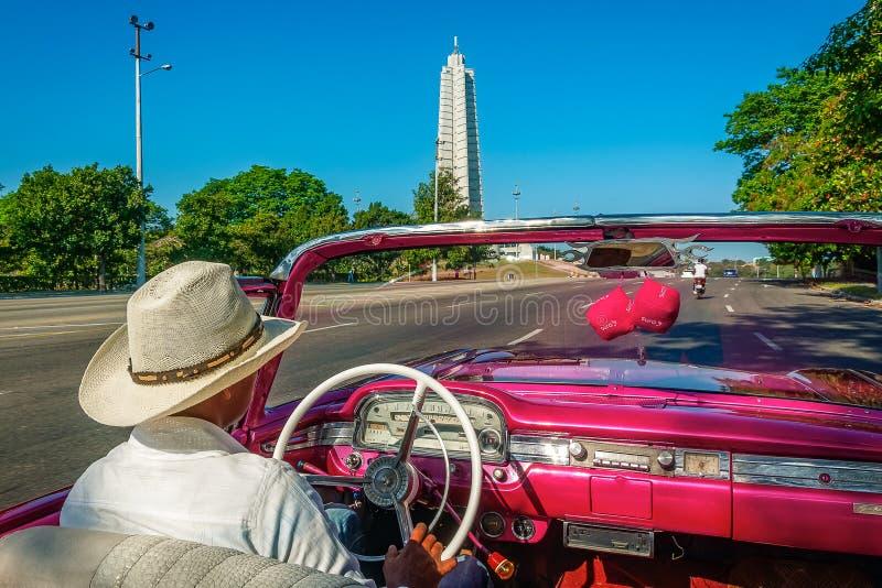 驾驶由何塞马蒂纪念碑 免版税库存图片
