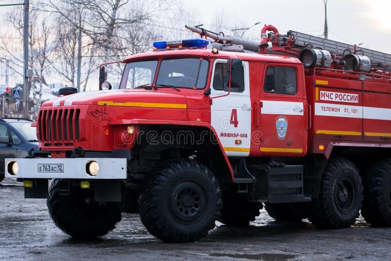 驾驶舱红色救火车乌拉尔5557 免版税库存图片