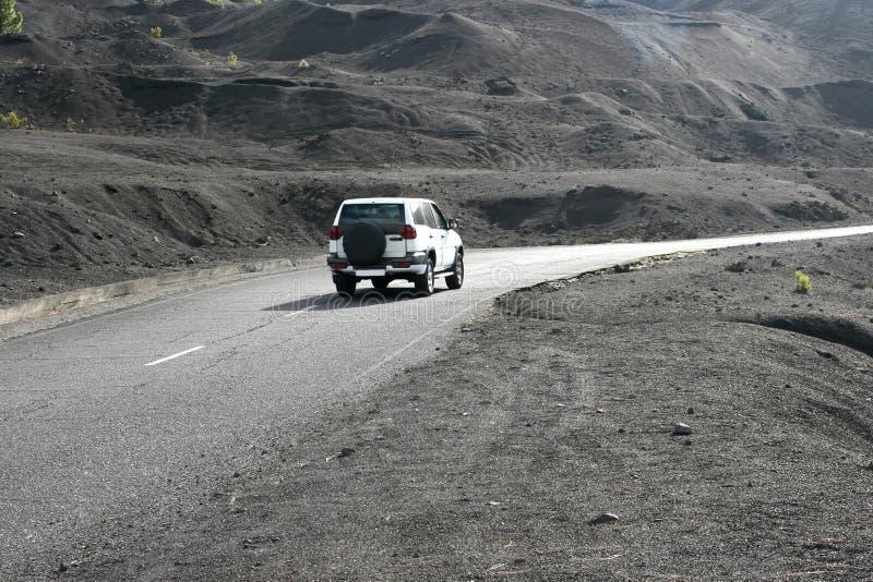 驾驶通过火山的风景,拉帕尔玛岛,西班牙 图库摄影