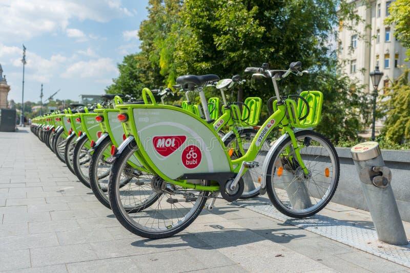 骑自行车分享在市中心-布达佩斯-匈牙利 库存图片