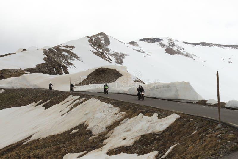 骑自行车在海阿尔卑斯,法国的马达 图库摄影